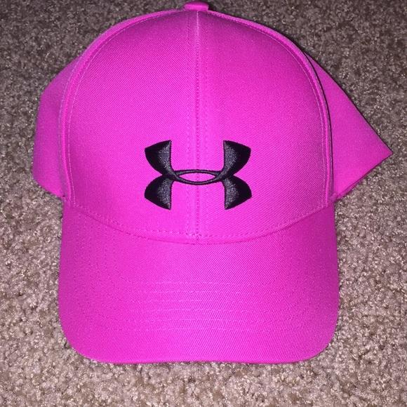 01471dc4cfe Under Armour Women s Renegade Pink Cap. M 5b778db6bf7729e0ca284de8